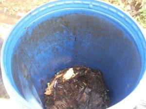 Alat Komposter Sederhana